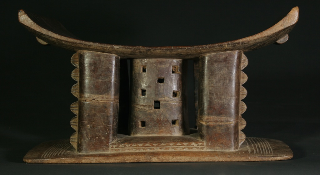 176 heavy patina old Asante stool (1)