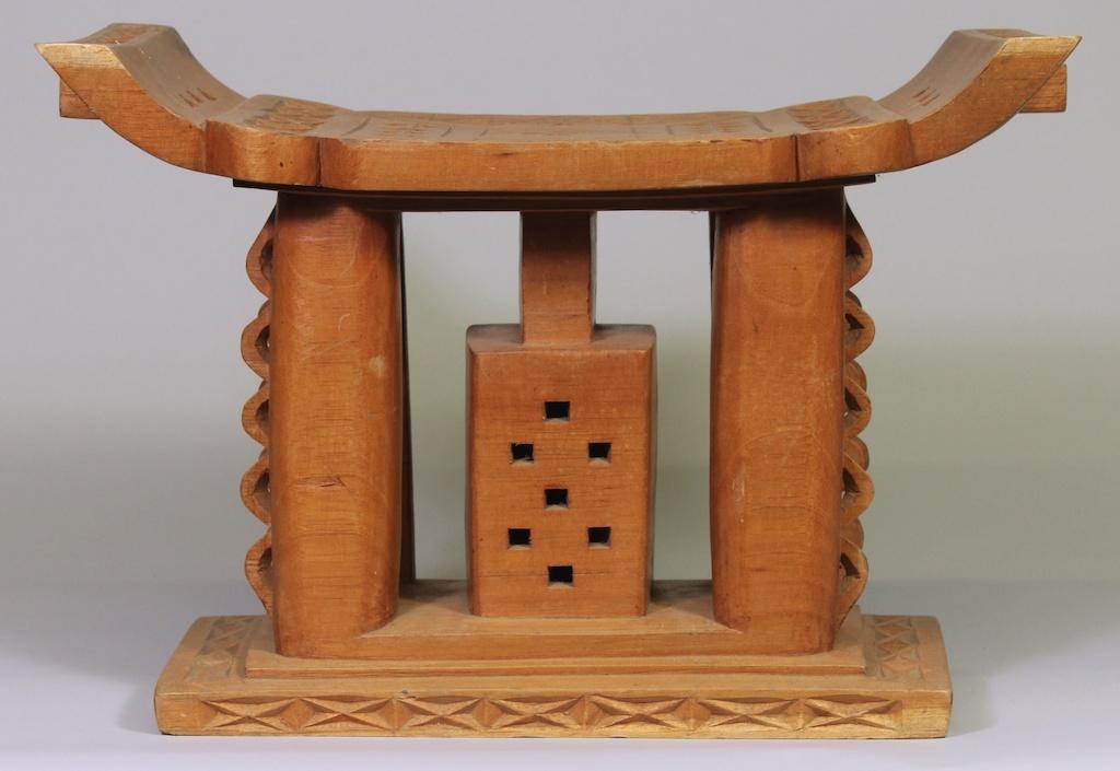 177 Ashanti stool (1)