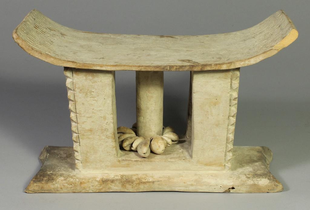 255 Old Ewe spirit stool (1)