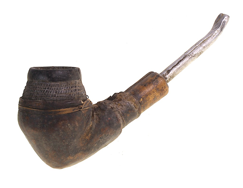 Ceramic bowl leather bound pipe (1)